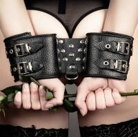 Роль наручников в БДСМ
